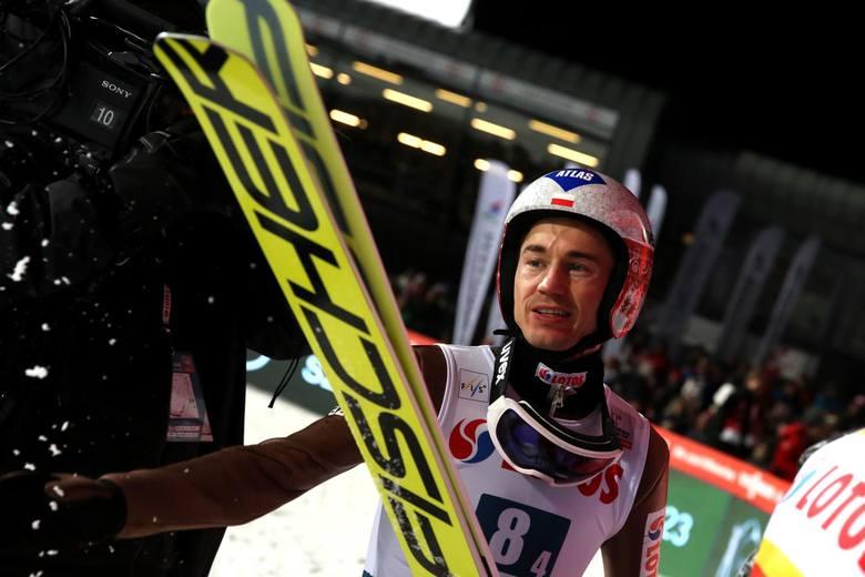 Cztery lata temu Kamil Stoch triumfował w olimpijskim konkursie na skoczni normalnej wyprzedzając Słoweńca Petera Prevca oraz Norwega Andersa Bardala.
