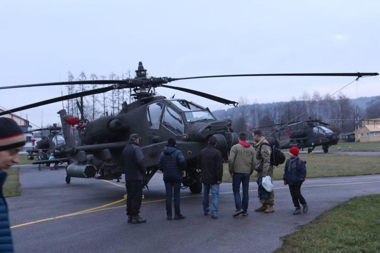 Wojskowe śmigłowce nad Kielcami. Amerykańscy żołnierze lądowali w Masłowie