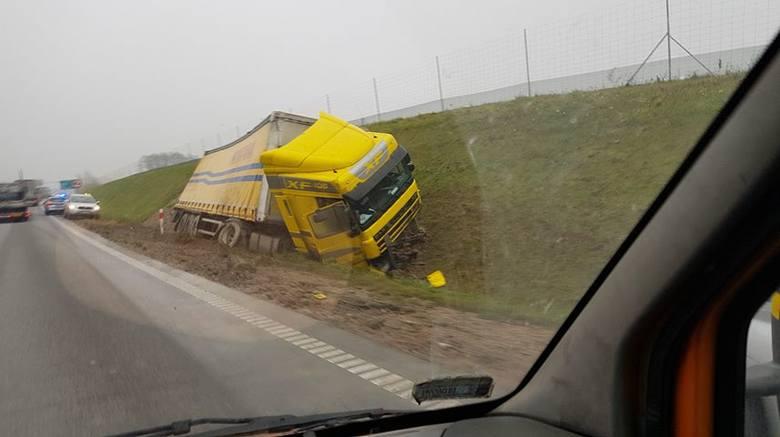 W poniedziałek, po godz. 7, na krajowej ósemce w miejscowości Szkocja doszło do wypadku.