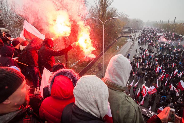 Warszawa centrum, Most Poniatowskiego. Marsz Niepodległości w  2016 roku.
