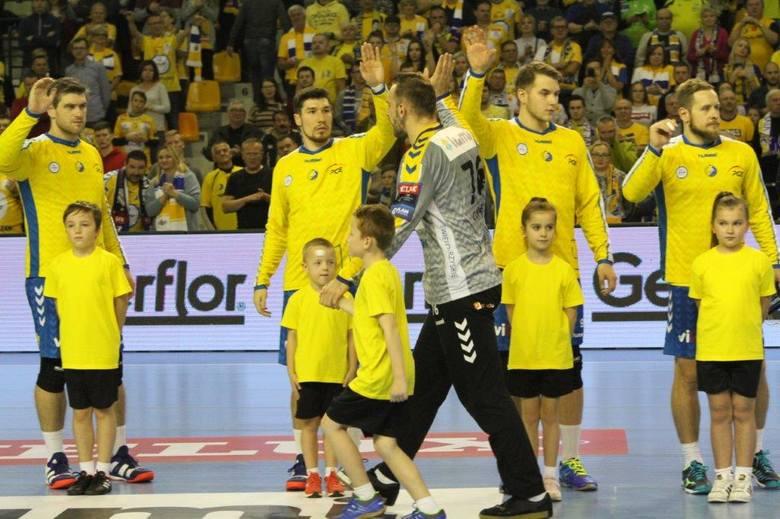 Piłkarze ręczni PGE VIVE Kielce przegrali w Skopje z Vardarem 27:28 w ostatnim w tym roku meczu Ligi Mistrzów. Za mecz w stolicy Macedonii wystawiamy