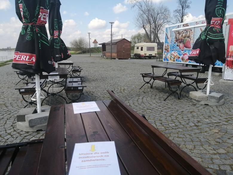 Na turystów i mieszkańców od soboty 1 maja  do poniedziałku, 3 maja  będą czekały także punkty gastronomiczne  na Bulwarze nad Wisłą. Właściciele punktów