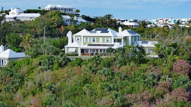Hamilton, Bermudy - to najdroższe miasto świata. Za wynajem 45-metrowego mieszkania zapłacisz tu prawie 6,5 tys. złotych. Zwykły lunch w dzielnicy biznesowej