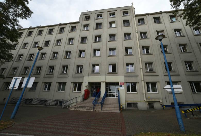 Pierwszy poród rodzinny i pierwszy poród w wodzie odbyły się w szpitalu Madurowicza na Wileńskiej w Łodzi