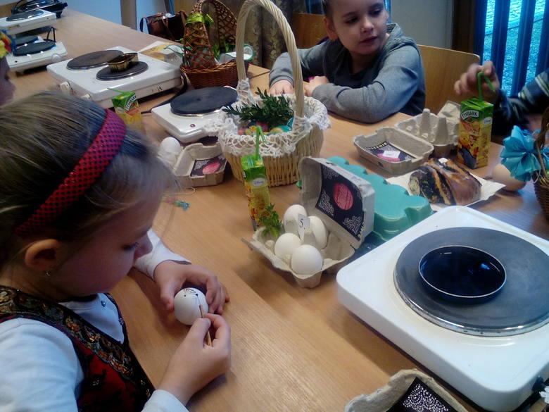 Konkurs zdobienia jaj od lat spotyka się z wielkim zainteresowaniem szczególnie wśród dzieci.