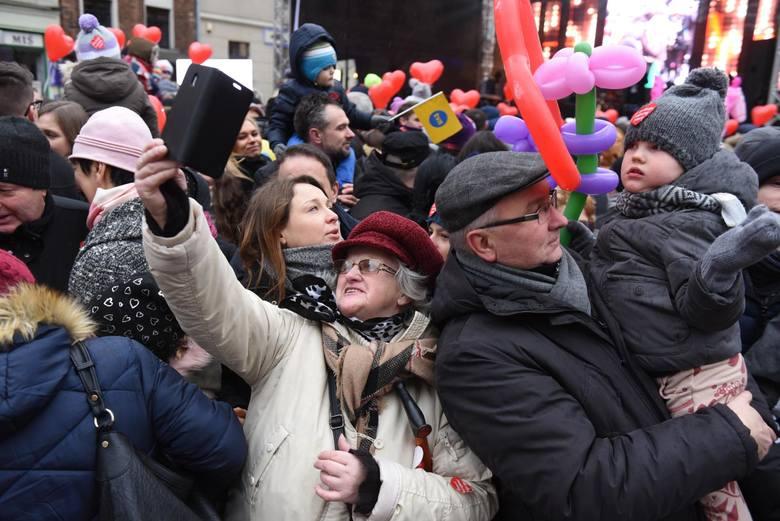 Mimo tragicznych wydarzeń w Gdańsku, Wielka Orkiestra Świątecznej Pomocy jak co roku spełniła swoją rolę. Na jej koncie są ponad 92 mln zł, a to jeszcze