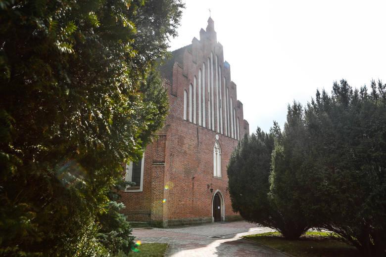 Wota składane przez mieszkańców Przeworska i okolic są wyrazem wdzięczności dla Maryi za jej opiekę - mówi o. Kazimierz Kowalski, gwardian klasztoru