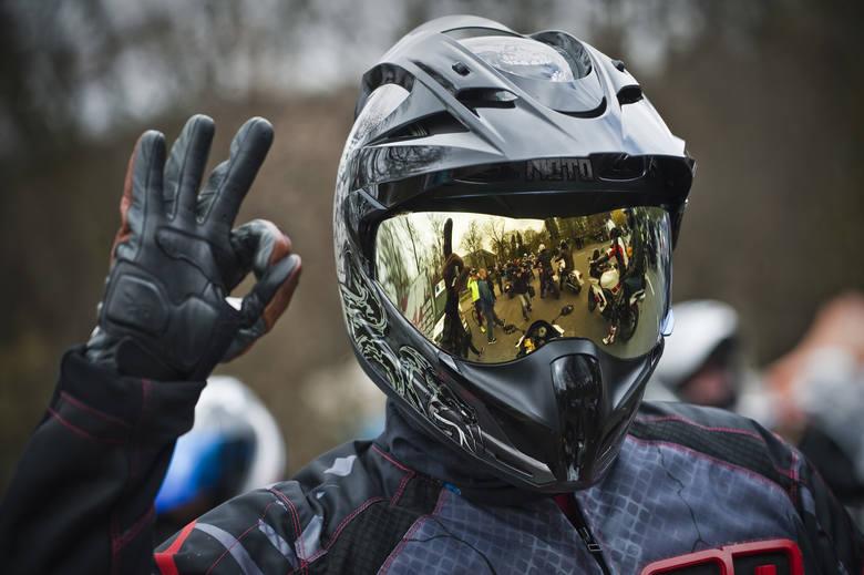 W niedziele motocykliści rozpoczęli sezon motocyklowy w Koszalinie.