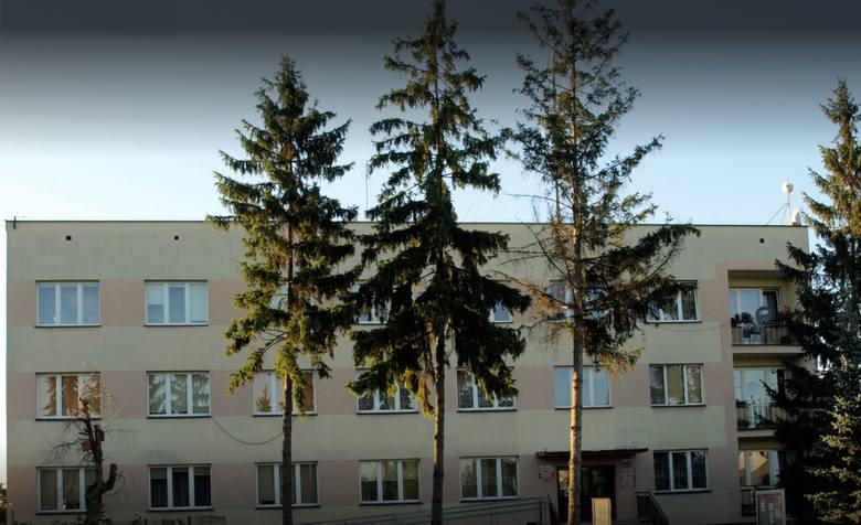 27 maja 1990 roku odbyły się pierwsze wybory do samorządu terytorialnego w Polsce, po 40 latach przerwy. W  Gniewoszowie wybieraliśmy Radę Gminy, która
