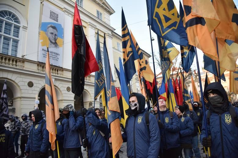 """""""Miasto Lwów nie dla polskich panów"""". Manifestacja skrajnej prawicy we Lwowie [FOTO]"""