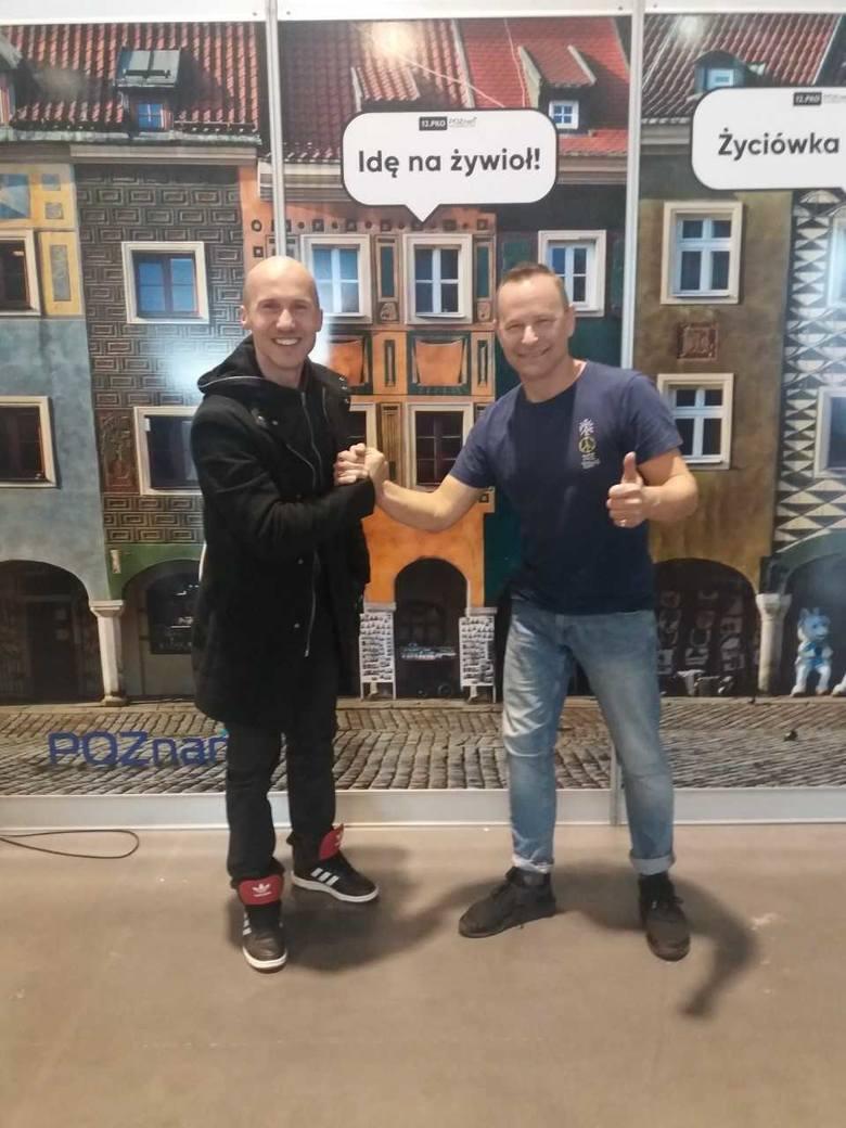 Jacek Mezo Mejer i Krzysztof Zawadka w przeddzień startu w 12. PKO Poznań Półmaraton wymienili się doświadczeniami i życzyli sobie powodzenia, a dzień