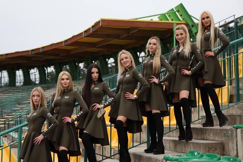 Dziewczyny z grupy Bis Taxi Falubaz Girls upiększają ekstraligowe mecze żużlowców Marwis.pl Falubazu Zielona Góra. Zawsze prezentują się zjawiskowo.