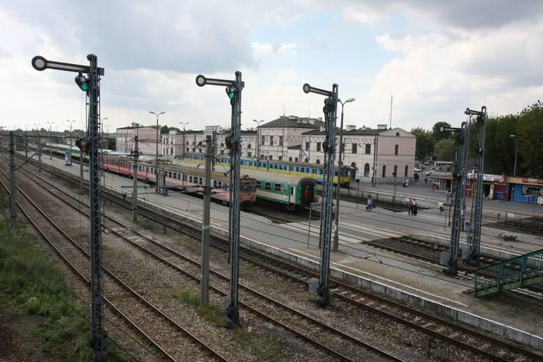 PKP Intercity przeprasza pasażerów. Pociąg Warszawa - Białystok miał 250 minut opóźnienia