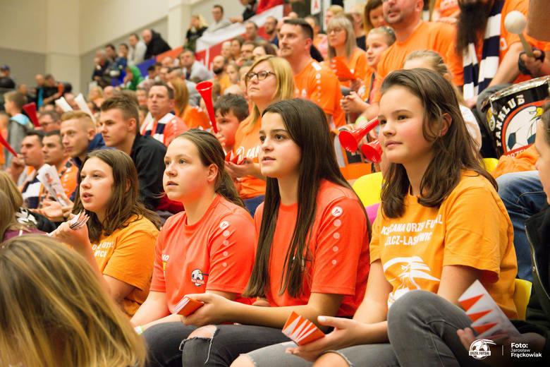 Takiej frekwencji na meczach może im pozazdrościć niejeden wrocławski klub. KS Acana Orzeł Futsal Jelcz-Laskowice na meczu z FC Toruń znów zgromadził