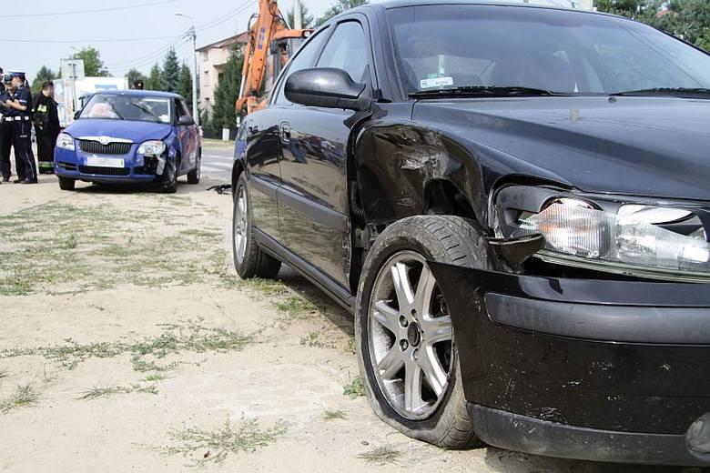 Volvo zderzyło się ze skodą na ulicy 27 Lipca