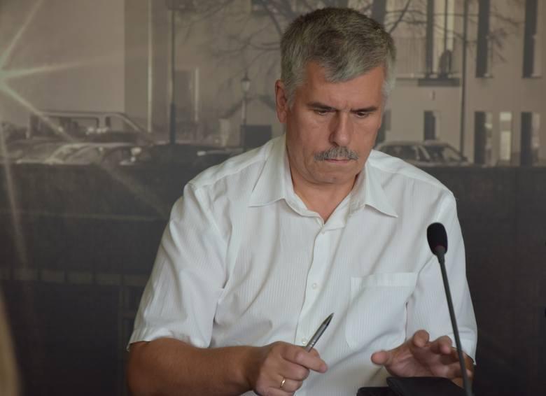 Jarosław Pilz przyznaje, że będą prawybory kandydata w komitecie Koalicji Polskiej. W grze jest nazwisko Andrzeja Ziarka. Byłby to drugi z radnych powiatowych w wyborach na prezydenta. Jeśli wygra prawybory i zdobędzie potrzebną ilość podpisów