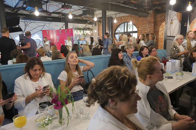 Joanna Przetakiewicz: Kobiety wciąż mierzą się ze szklanym sufitem