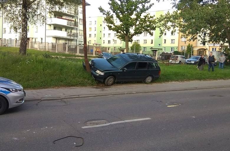 W piątek popołudniu strażacy otrzymali informację o wypadku na ulicy Bohaterów Monte Cassino w Białymstoku Zdjęcie pochodzi z fanpejdża Kolizyjne Po
