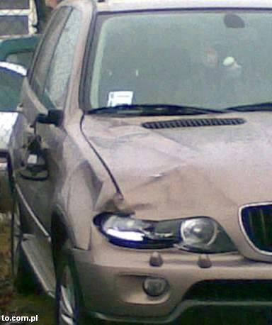 Tym samochodem potrącono pieszego. Prokuratura uważa, że zrobił to Wiesław G.