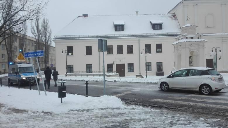 Wypadek na ul. Zesłańców Sybiru. Droga nieprzejezdna