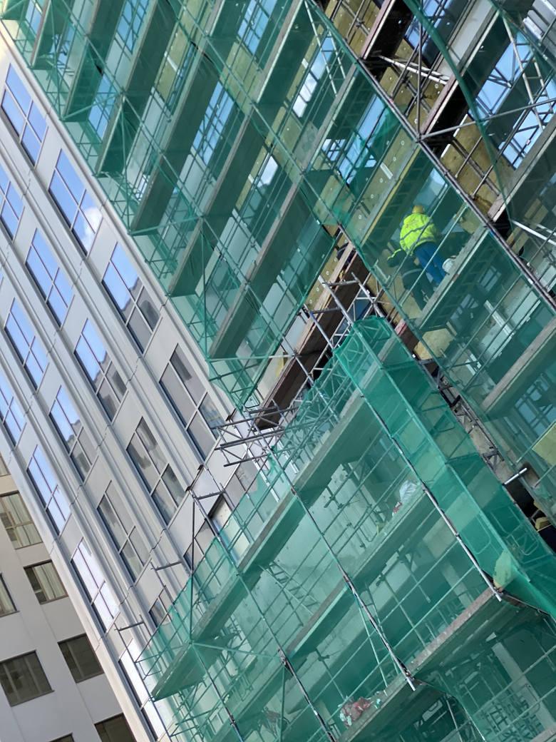 """Budowa Unity Centre, który powstaje na miejscu słynnego """"Szkieletora"""""""