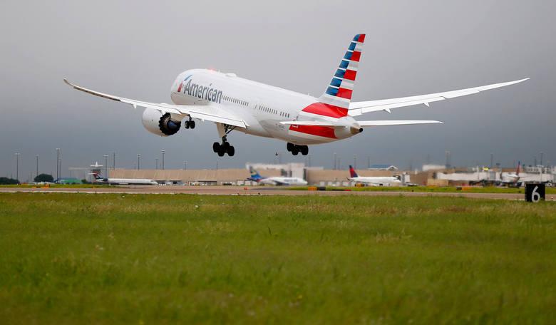 Dreamliner LOT-u został uziemiony w Toronto. Boeinga 787 trafił piorun, co spowodowało uszkodzenie maszyny.