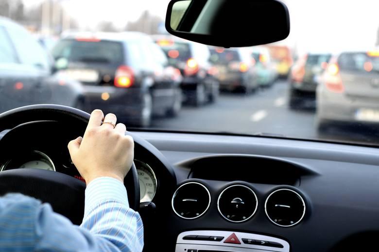 prawo jazdy, tablice rejestracyjne, koronawirus, badania okresowe kierowców