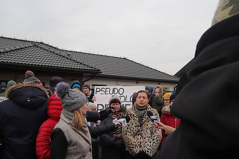 Protest na Starym Złotnie przeciw nowej trasie Kolei Dużych Prędkości. Zdjęcia