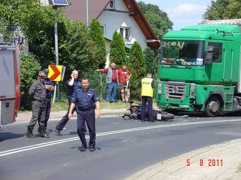 """TIR najechal na motocyklisteWypadek w Sokolowie Mlp. na kilka godzin zablokowal krajową """"19"""""""