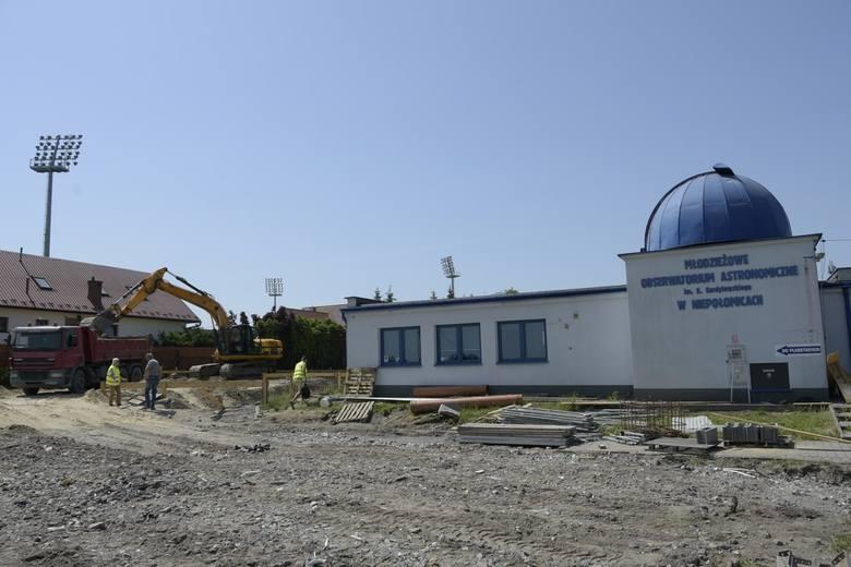 NiepoÅomice. Rozbudowa MÅodzieżowego Obserwatorium Astronomicznego idzie peÅnÄ parÄ [ZDJÄCIA]