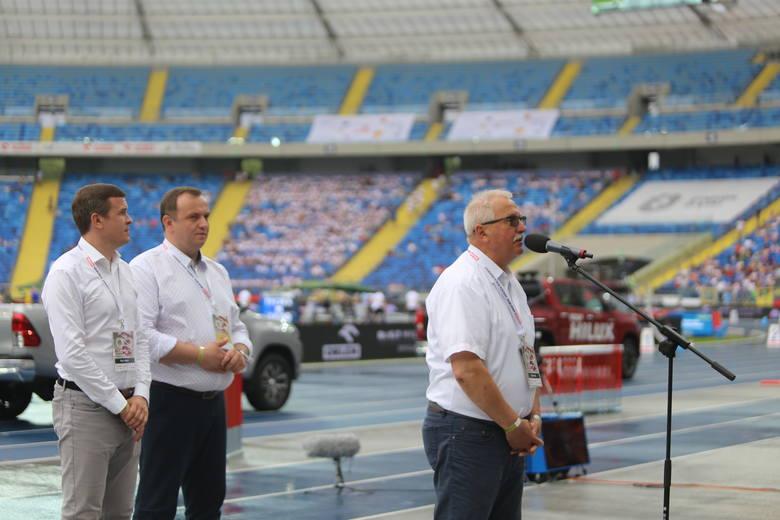 Memoriał Kusocińskiego: Burza nad Stadionem Śląskim i gwiazdy w samochodach na ceremonii otwarcia ZDJĘCIA