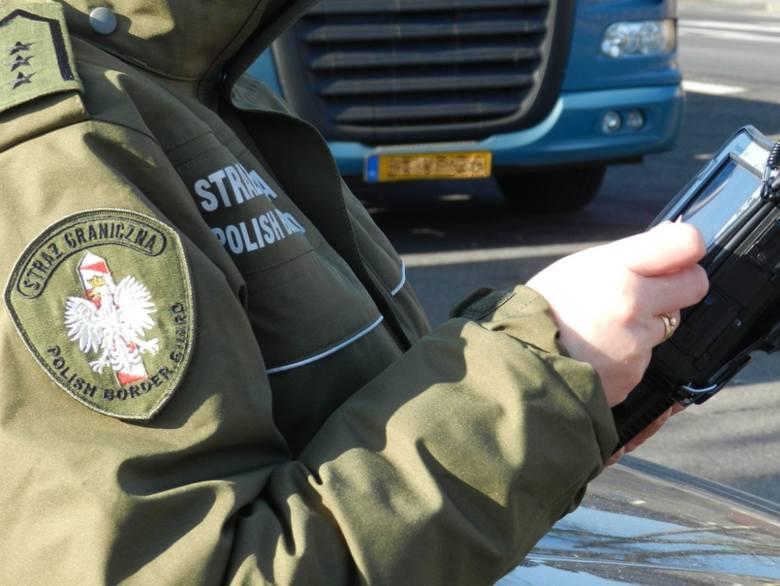 Funkcjonariusze Nadodrzańskiego Oddziału Straży Granicznej odprawili ponad 55,5 tysiąca osób oraz blisko 27 tysięcy pojazdów