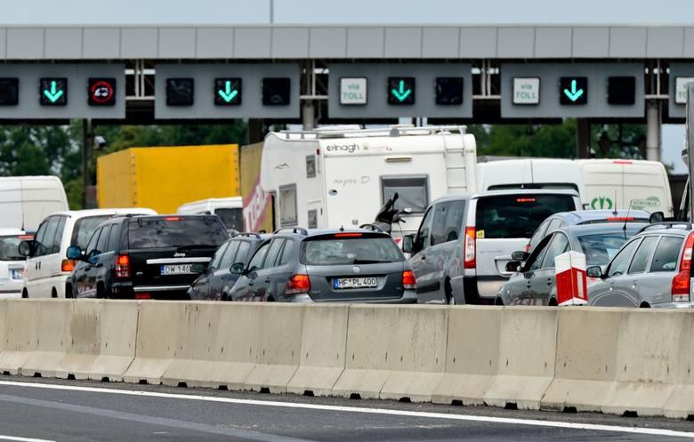 Nie do końca czerwca, a do 30 września tego roku miałby obowiązywać okres przejściowy, kiedy to na autostradach A4 i A1 równolegle będzie działał nowy