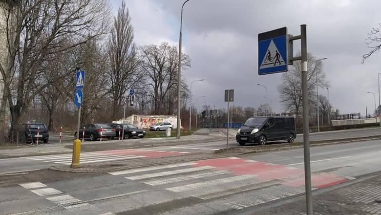 Na przejściu dla pieszych na ul. Ozimskiej ma powstać sygnalizacja świetlna