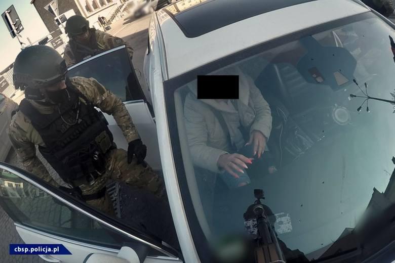 Lubelscy policjanci uczestniczyli w likwidacji sieci agencji towarzyskich. Utarg tzw. mieszkaniówek szedł w miliony