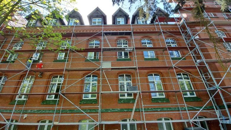 Termomodernizacja Szpitala Uniwersyteckiego w Zielonej Górze za 50 mln zł zmienia oblicze lecznicy. Będzie wygodniej, cieplej, taniej i bardziej eko