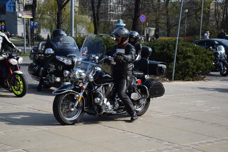 Częstochowa: Pielgrzymka Motocyklistów na Jasną Górę. Kilkadziesiąt tysięcy motocyklistów modliło się na Jasnej Górze FOTO