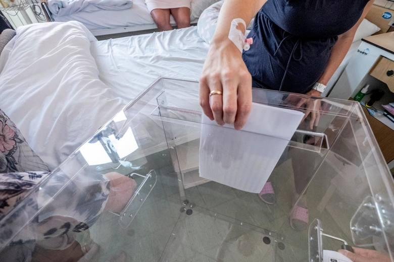 13.10.2019 poznan rw lokal wyborczy szpital polna glosowanie wybory. glos wielkopolski. fot. robert wozniak/polska press
