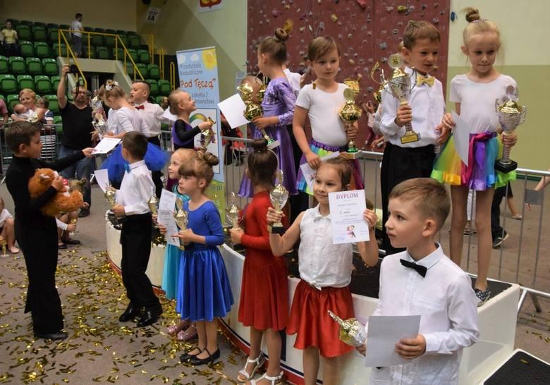 W hali widowiskowo-sportowej odbyły się Mistrzostwa Tańca Przedszkolaków o Puchar Prezydenta Inowrocławia. Na parkiecie o puchary i medale walczyło ponad