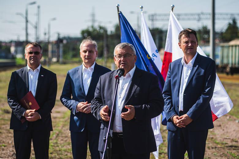 Port Gdańsk. Rozpoczęły się prace nad rozbudową infrastruktury kolejowej do portu [zdjęcia]