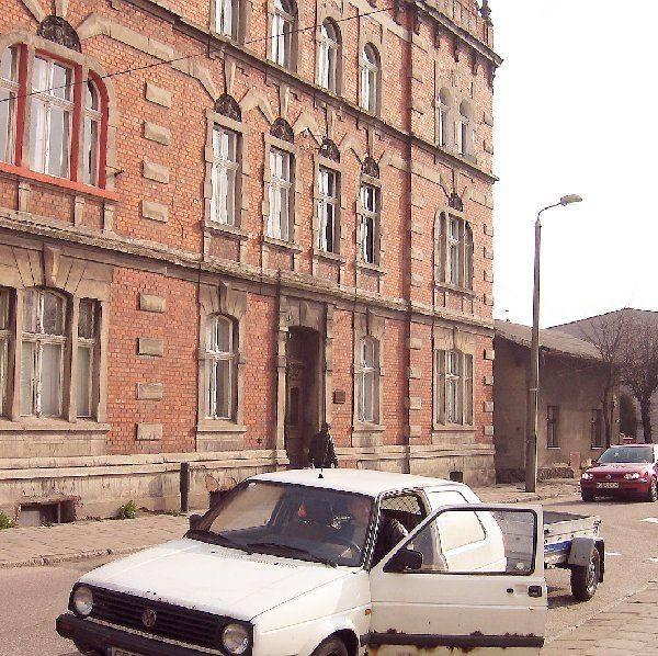 W tym domu w Brodnicy - ul. Przykop 3 - kilka  dni spędził jako więzień NKWD, Aleksander  Sołżenicyn, wielki rosyjski humanista, dysydent  wyrzucony