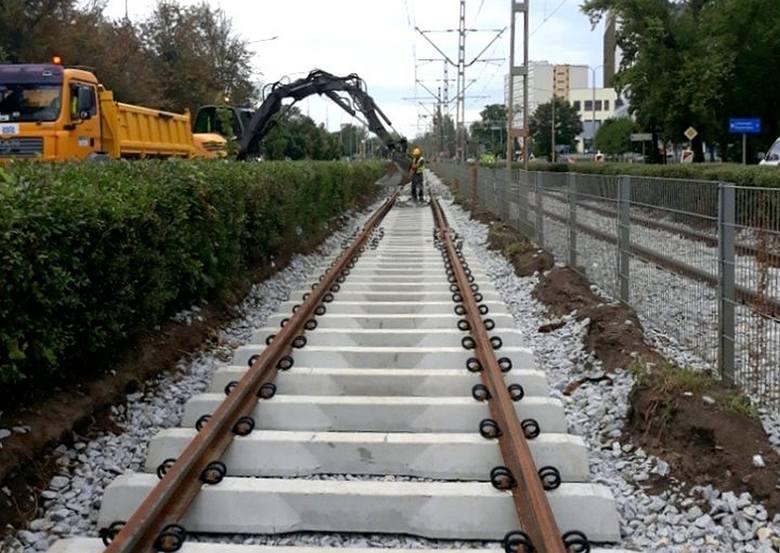 Od jutra zawieszone zostaną dwie linie tramwajowe: 9 i 15. Ma to związek z kolejnym etapem remontu torowiska na ulicy Ślężnej, tym razem na odcinku od