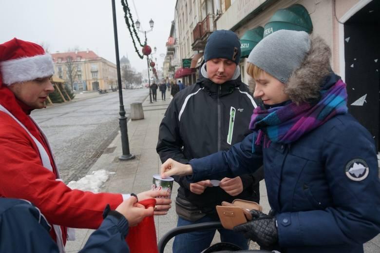 Rynek Kościuszki. MotoMIkołaje 2014 pomagają i bawią się (zdjęcia, wideo)