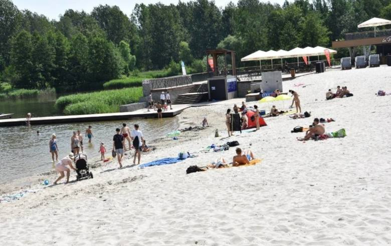 Park Lisiniec, plaża AdriatykCzęstochowa, ul. Trójmiejska (parking)Strzeżone kąpielisko w sezonie letnim (czyli od 11 czerwca do 30 sierpnia) jest czynne