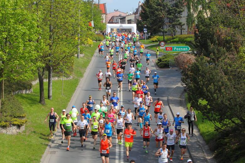 VIII 10 km Szpot Swarzędz - 2 czerwca (niedziela)Swarzędzka dziesiątka ma już swoją tradycję i renomę. Bieg uchodzi za jeden z najszybszych w kraju,