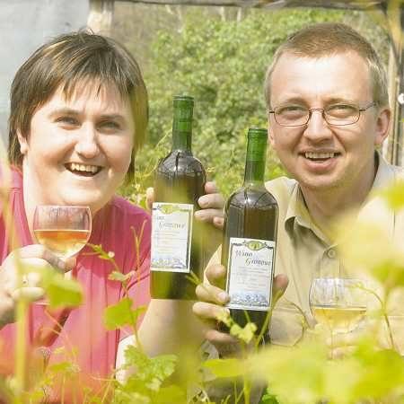 Małgorzata i Jarosław Lewandowscy od kilku lat zajmują się produkcją wina. Wreszcie chcą je sprzedawać!