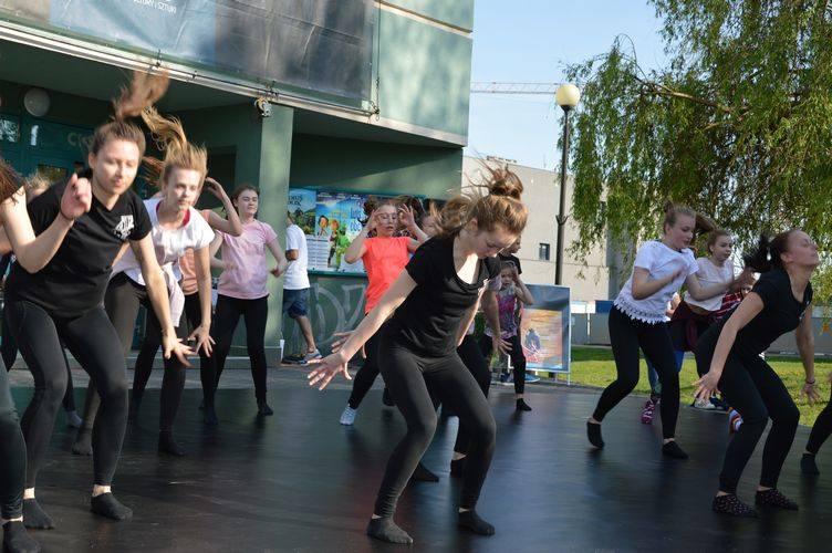 Międzynarodowy Dzień Tańca w Skierniewicach [ZDJĘCIA]