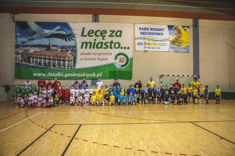 W niedzielę w hali sportowej w Jezierzycach odbył się turniej Skrzat Cup rocznika 2012 i młodszych. W zawodach udział wzięło 10 zespołów z regionu Słupskiego.