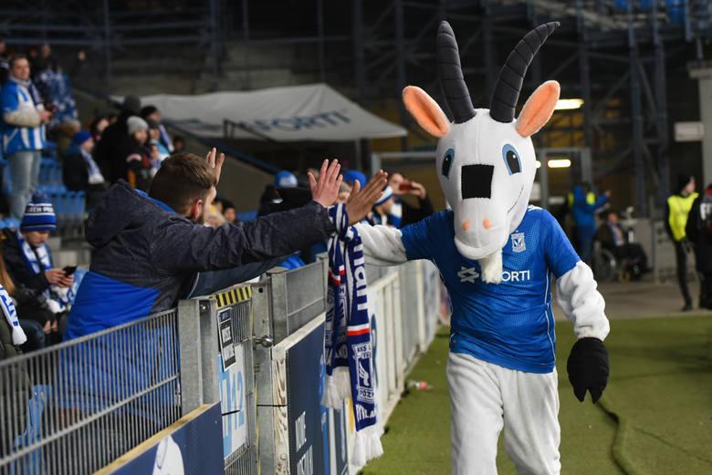 Mecz Lech Poznań - Legia Warszawa oglądało na żywo 24 164 kibiców. Byłeś w sobotę na Bułgarskiej? Znajdź się na zdjęciach! Oto wielka galeria kibiców