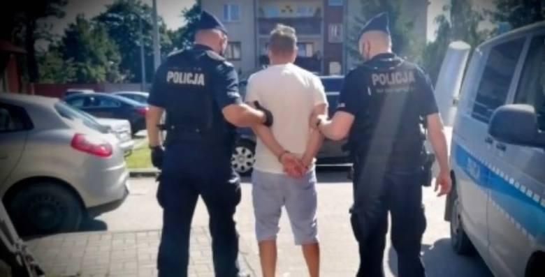 W telefonie 43-latka policjanci znaleźli treści, które wstępnie uznano za pornografię dziecięcą